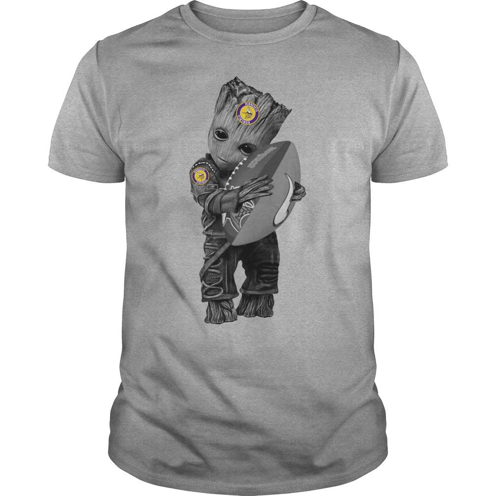 Baby Groot Hug Minnesota Vikings shirt