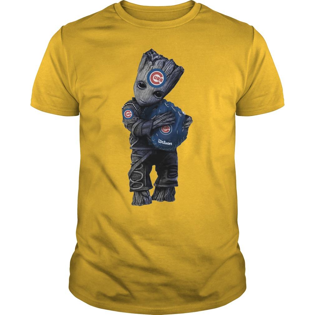 Baby Groot hug Chicago Cubs shirt